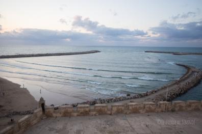 Rabat - Kasbah des Oudayas - vue sur l'entrée du port … et ses vagues !